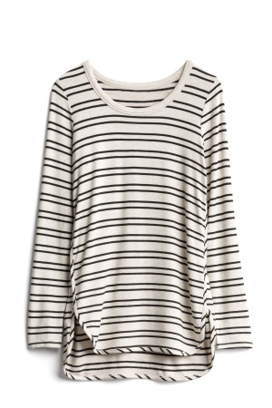 market and spruce-curved hem top