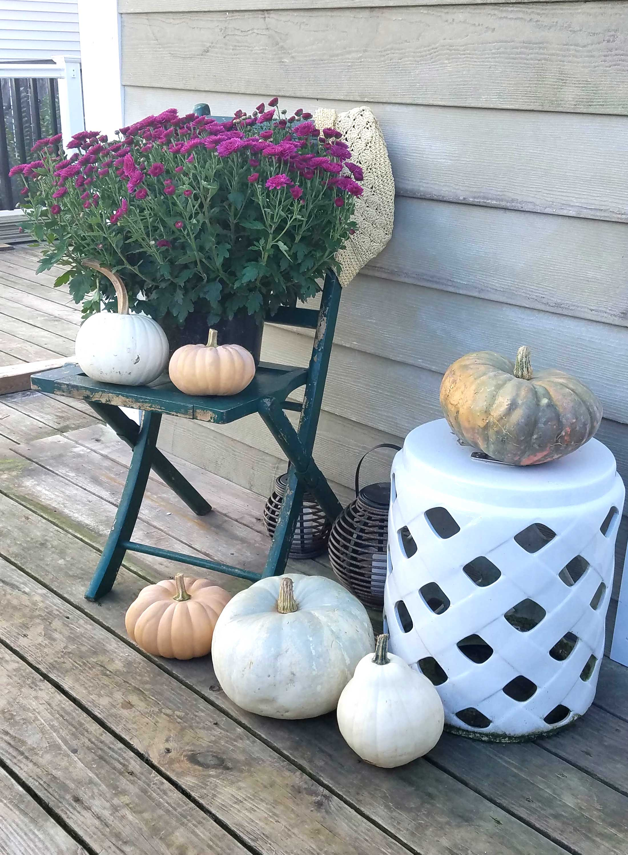 fall-decor-on-the-deck-4
