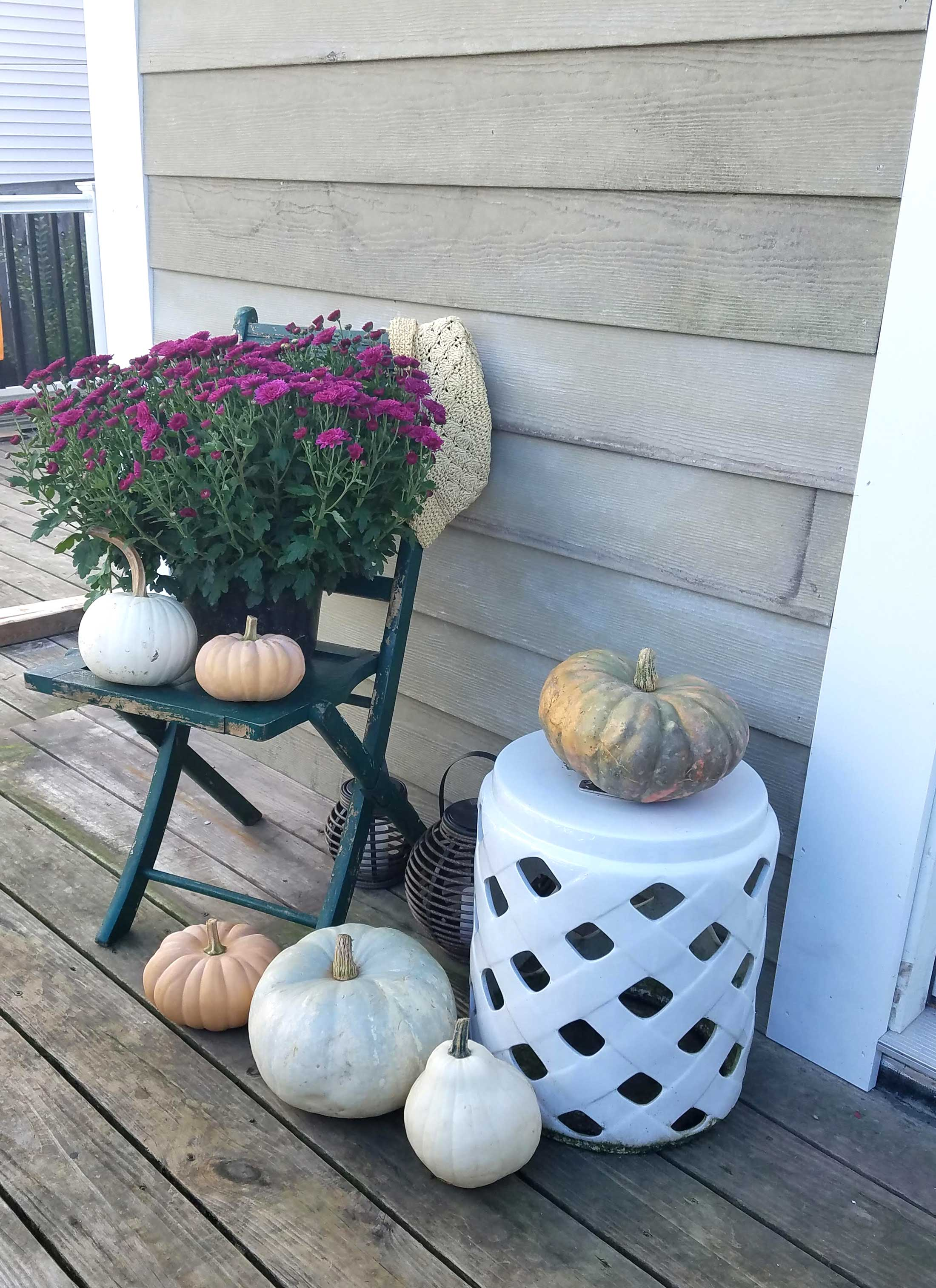 fall-decor-on-the-deck-5