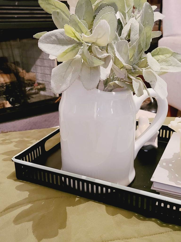 spring coffee table decor