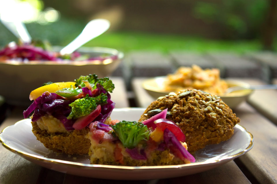 vegan-scones-with-rainbow-slaw