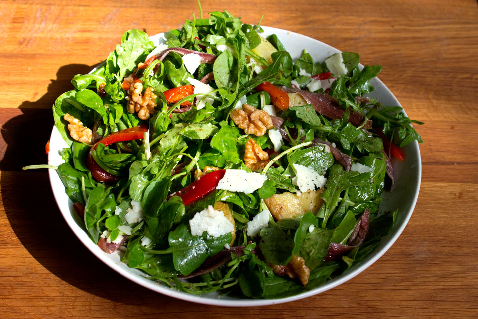 Ready to Eat Salad with Anchovies
