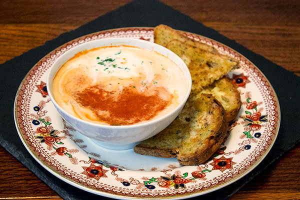 Oh so lazy Spicy Tomato and Roasted Red Pepper Soup