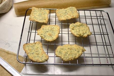 poppy-crackers