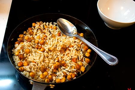 after-heating-rice-add-chickpeas