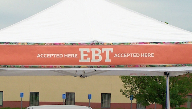 ebt-sign-at-burnsville-farmers-market