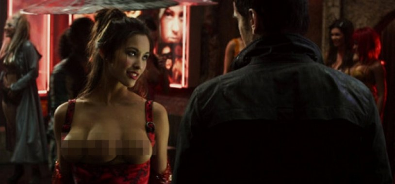Total Recall 2012 three-breasted woman (censored)