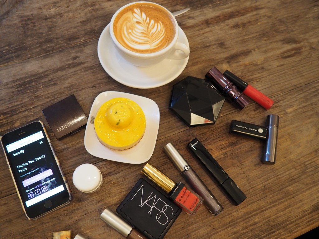 Flat White, cake and makeup - Astrid and I chat about social media at Espressionist.