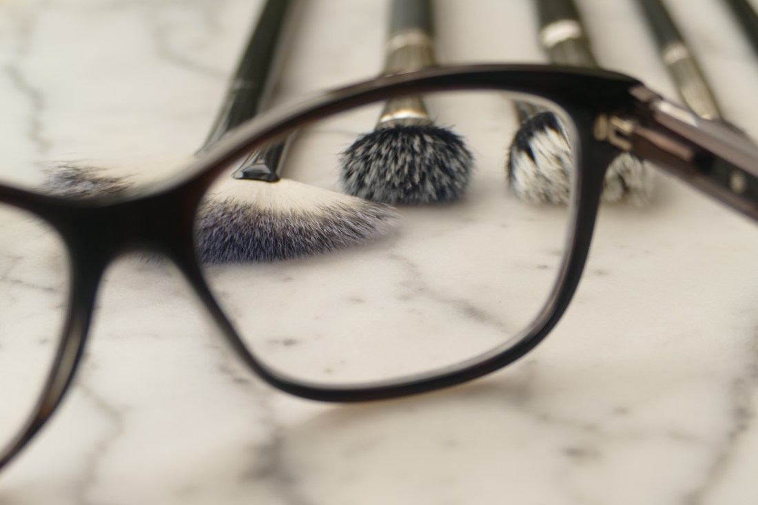 http://www.bustle.com/articles/148721-7-eye-makeup-tips-for-glasses-wearers