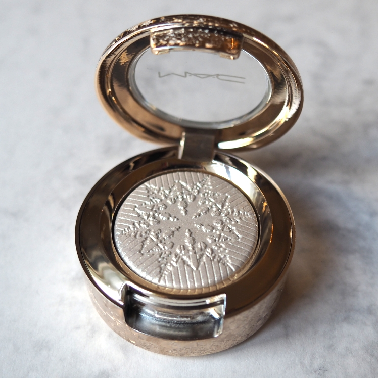 MAC Extra Dimension Eyeshadow Frostwinked from MAC Snow Ball Holiday Collection