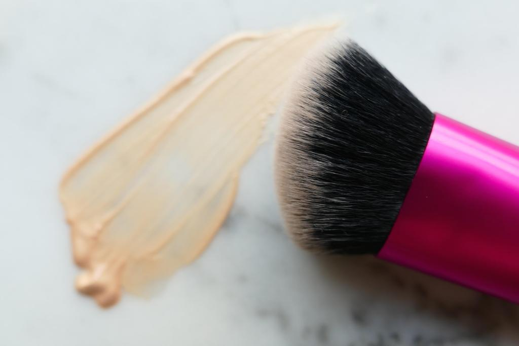 real techniques best cheek brush