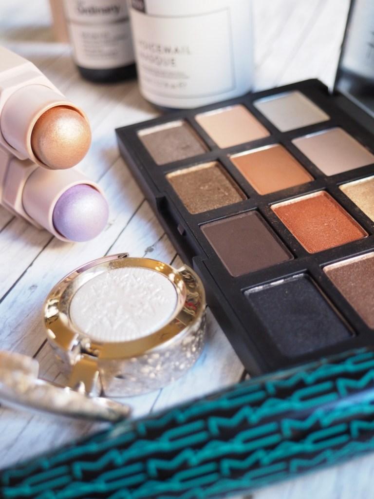 MAC Frostwinked Eyeshadow, NARS Narsissist Loaded Eyeshadow Palette, MAC Work It Out Mascara in Sweaty Betty, Fenty Beauty Match Stix Shimmer Skinstick in Unicorn and Rum