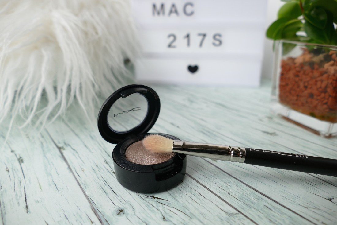 MAC synthetic brush 217S review