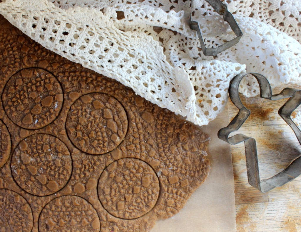 Lace Gingerbread Cookies_Twine And Braids