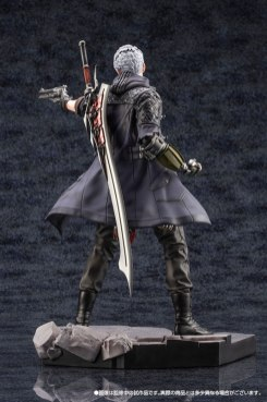 Devil May Cry 5 Figures (13)