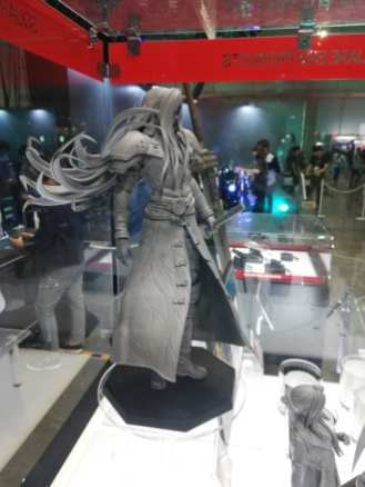 Final Fantasy VII Remake Figures (2)