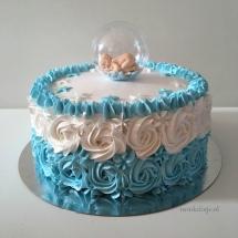 Babytaart blauw met rosetten