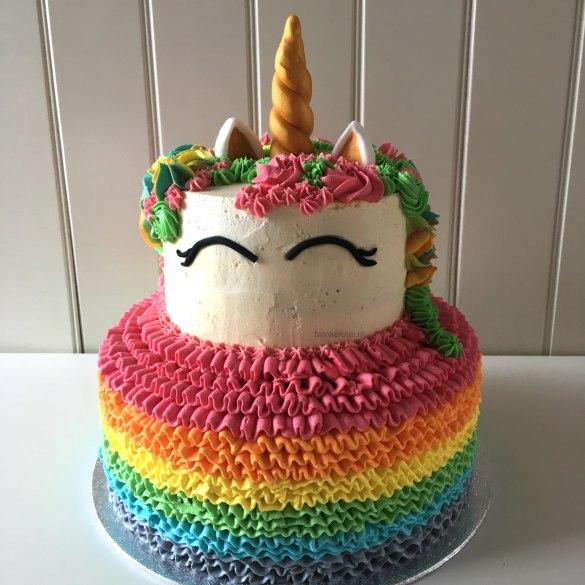 Unicorn rainbow cake, twee lagen