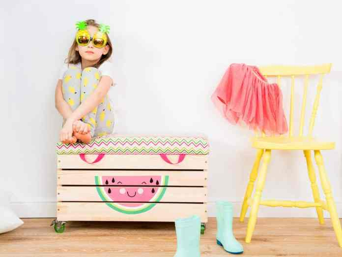 2018 decor trends natural wood toy box