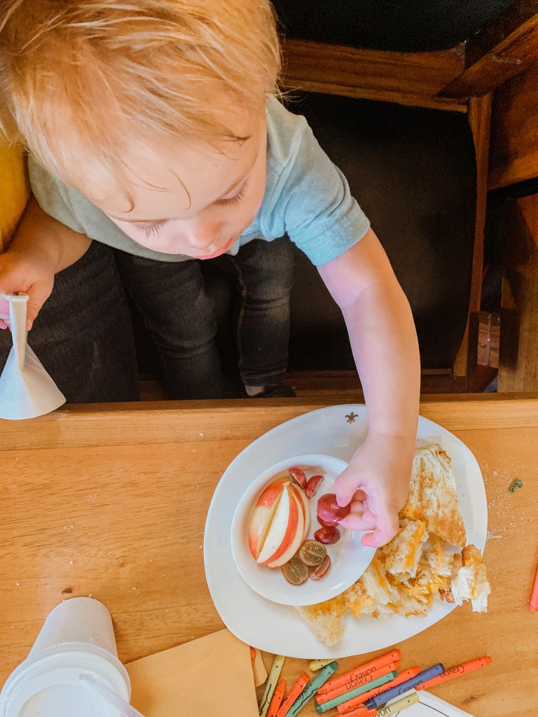 dining out with a toddler