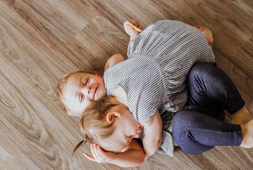 boy gir fraternal twins hugging