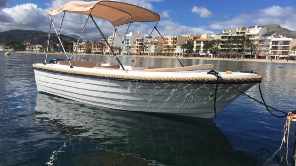 alquiler barcos sin licencia en ciutadella y cala galdana menorca