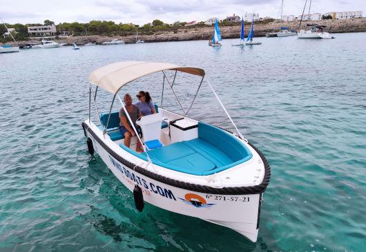 barco sin licencia de Twins Boats Tramontana Propara alquilar en Ciutadella de Menorca