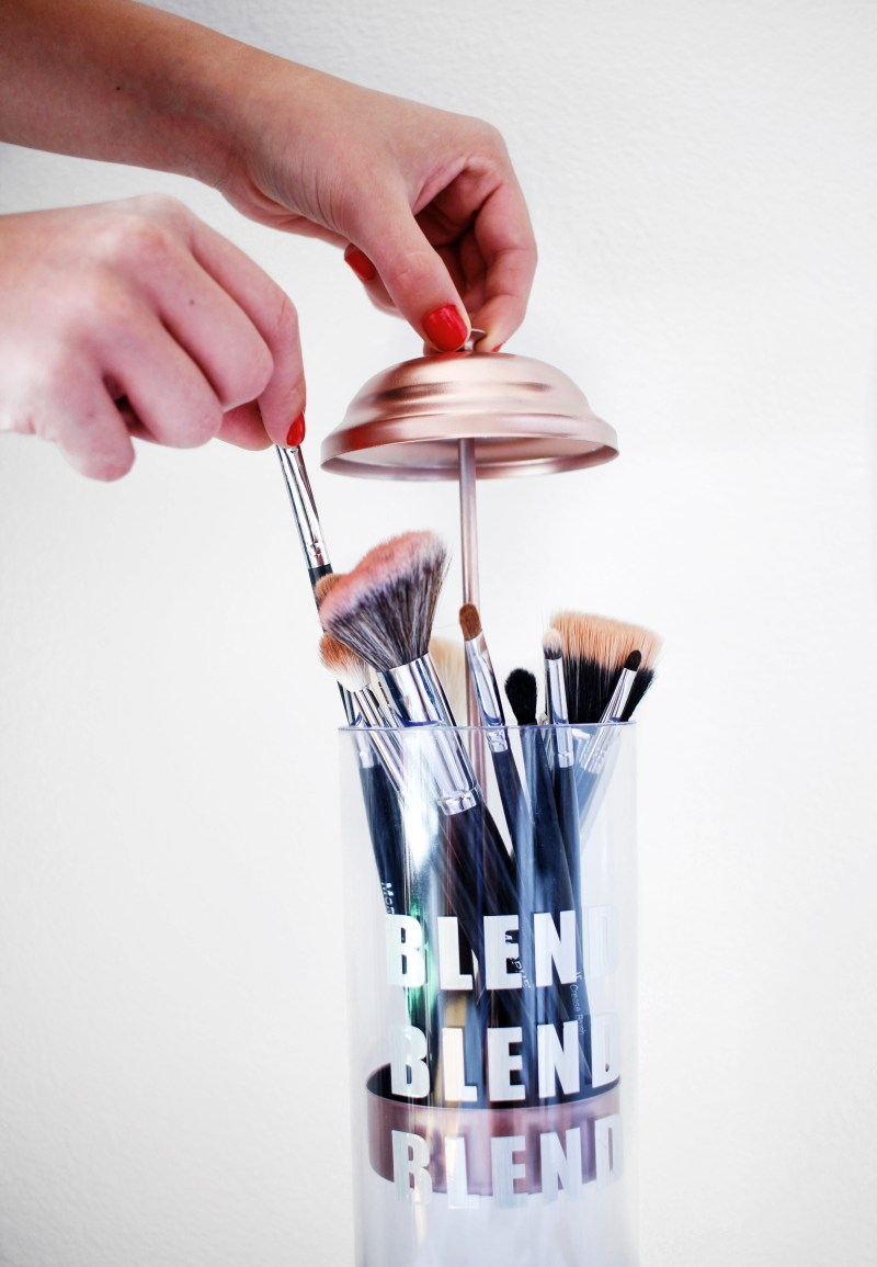 DIY Makeup Brush Holder | Twinspiration