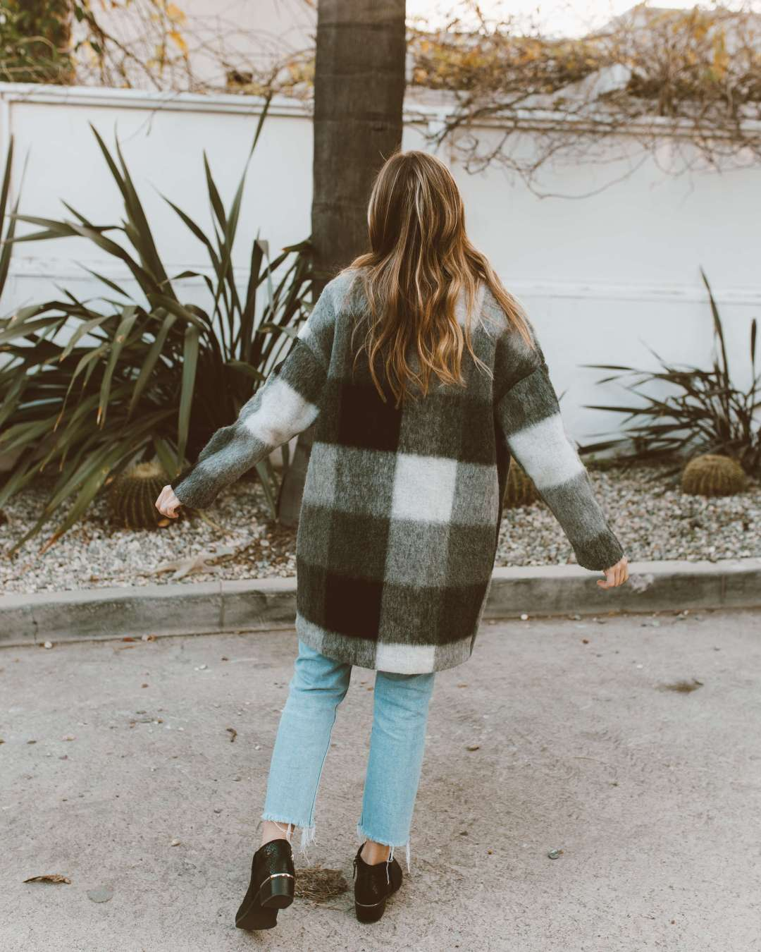What To Wear With An Oversized Coat | Twinspiration
