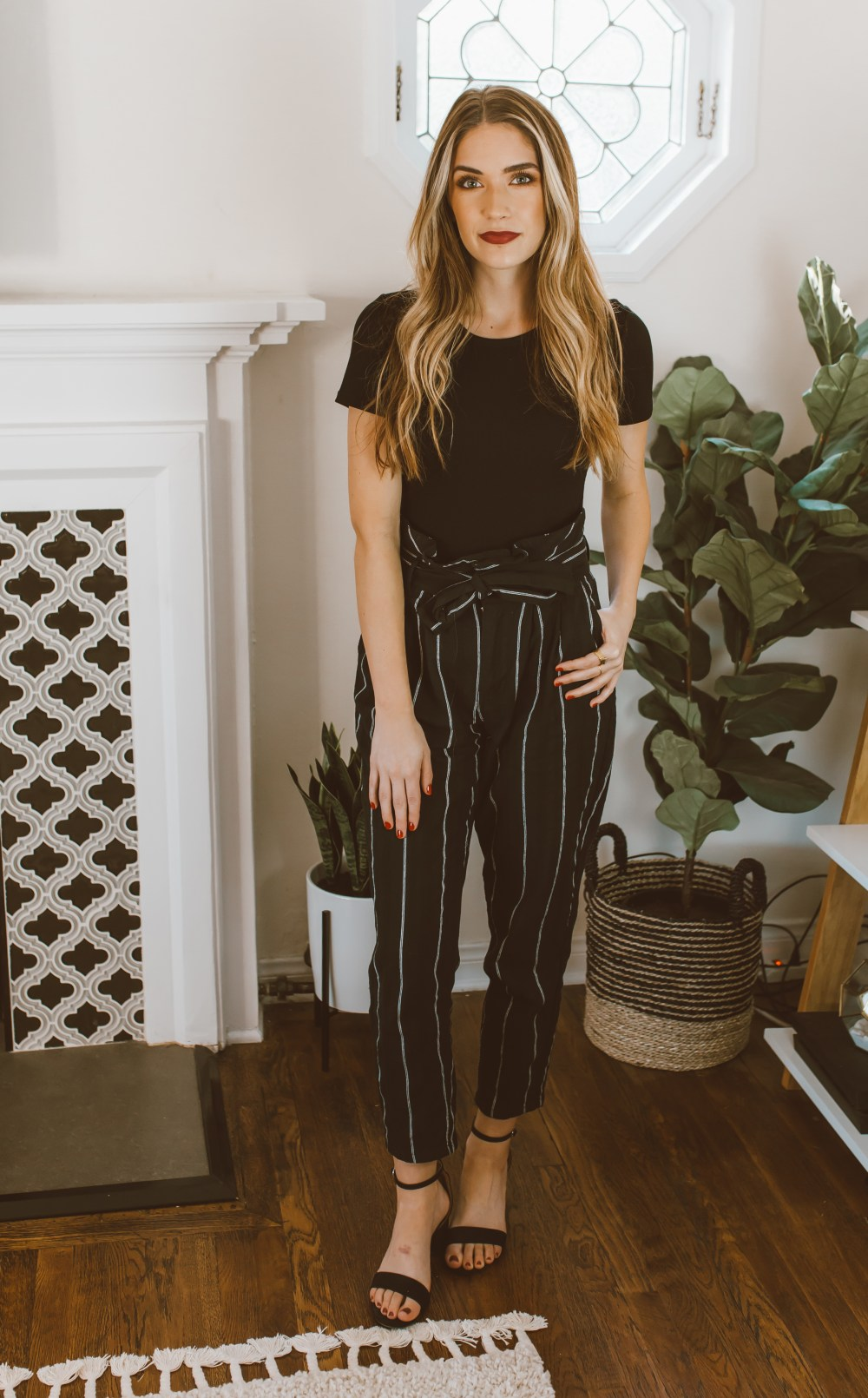 How to Wear Paperbag Pants | Twinspiration