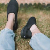 A Review of Mahabis Flow Slippers: The Perfect Shoes For Frequent Travellers