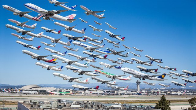 These Composites of Planes Taking Off and Landing Show How Connected the  World Is » TwistedSifter