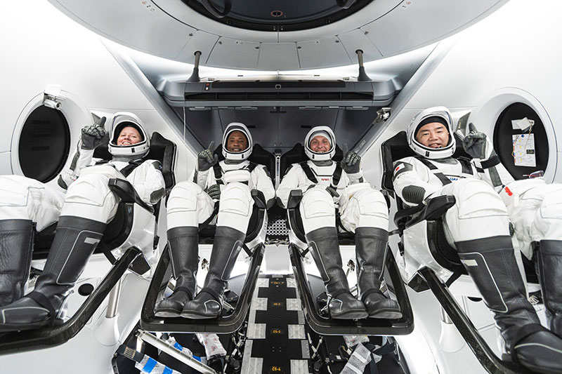 spacex first all civilian mission to space 11 SpaceX is Launching the Worlds First All Civilian Mission to Space