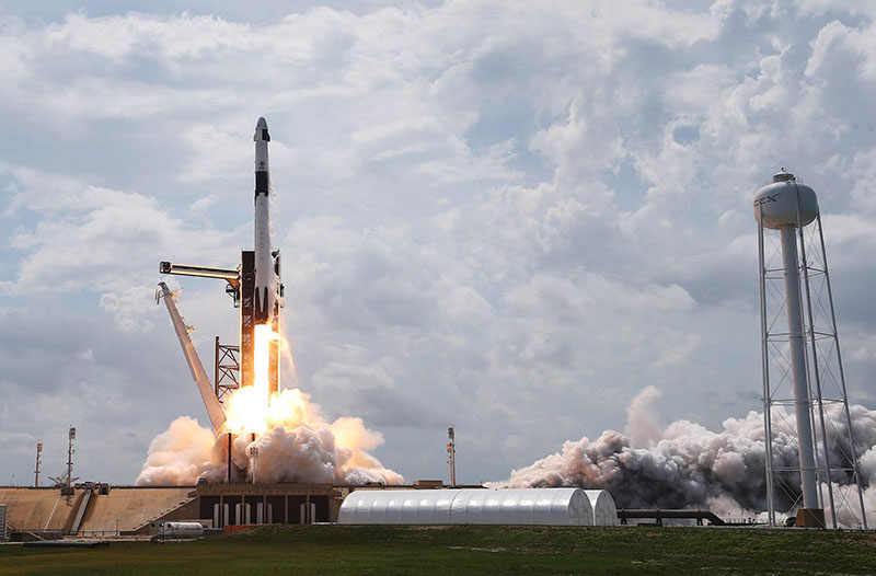 spacex first all civilian mission to space 15 SpaceX is Launching the Worlds First All Civilian Mission to Space
