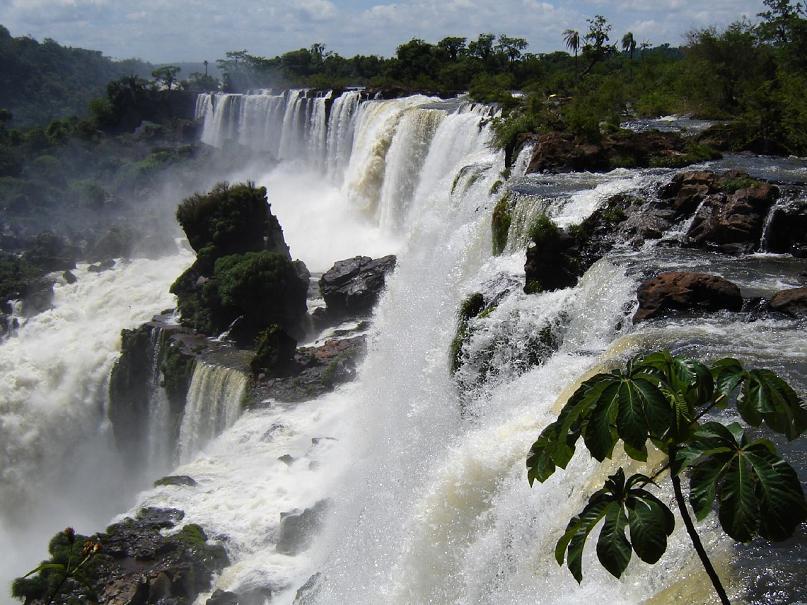 Snoqualmie Falls Wallpaper Iguazu Falls 15 Amazing Pictures 10 Incredible Facts