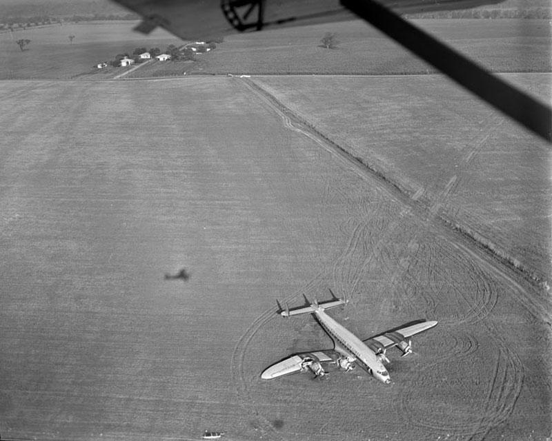 Eastern-Air-Liner-crash-landing,-Curles-Neck-Farm