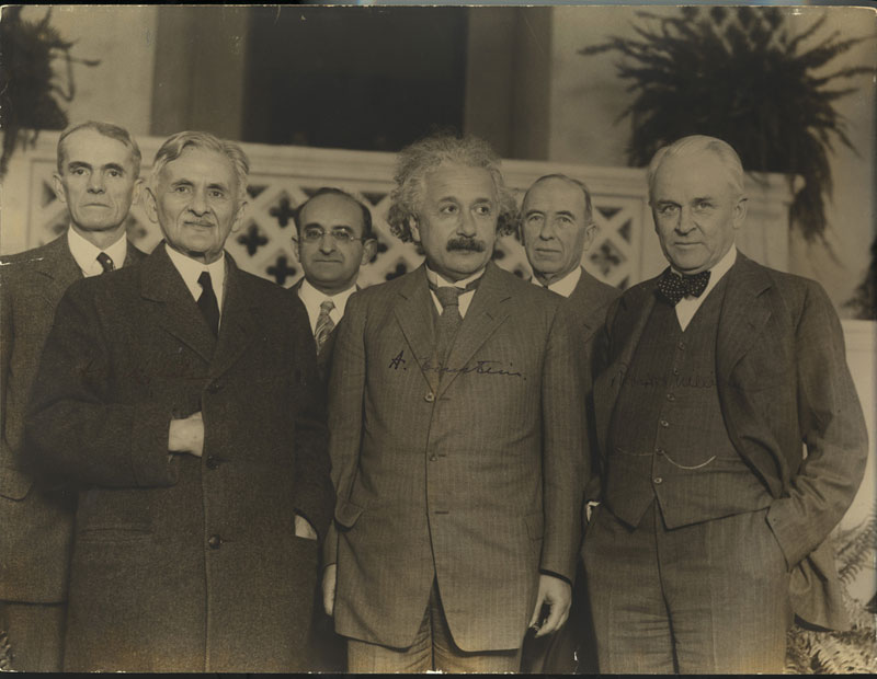 einstein-and-physicists-millikan-invitation