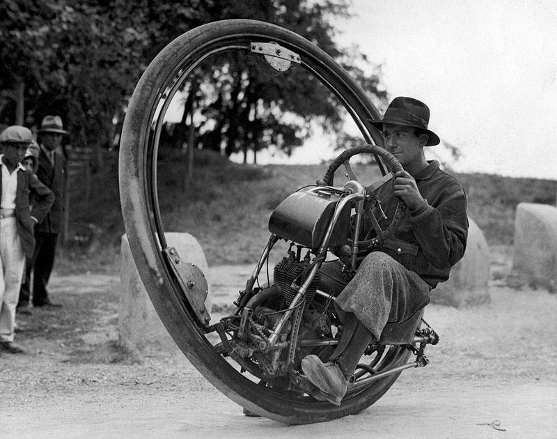 One-wheel-motor-cycle