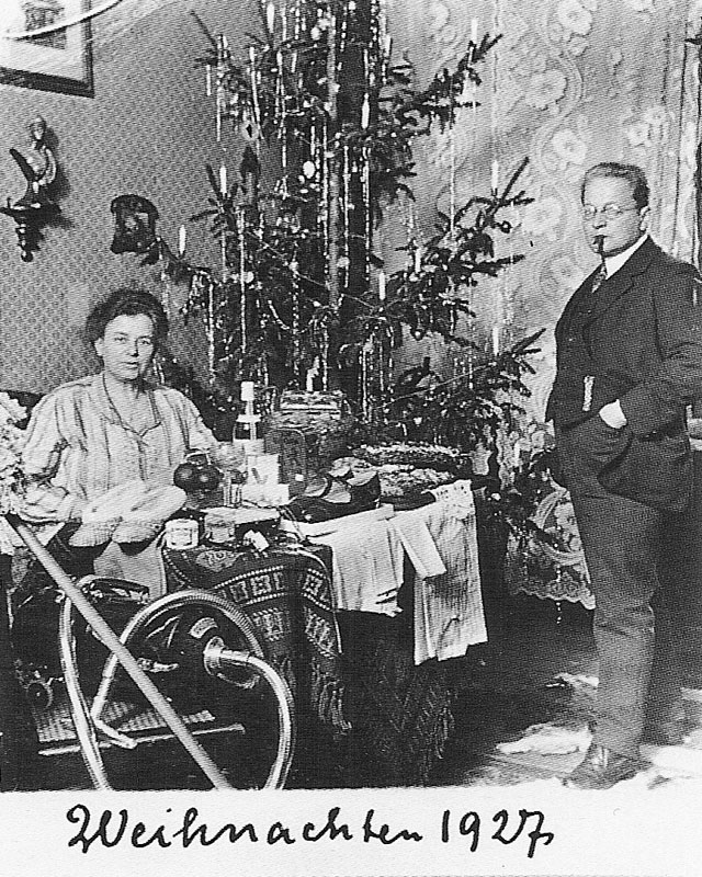 One Couples Christmas Card Portraits From 1900 1942