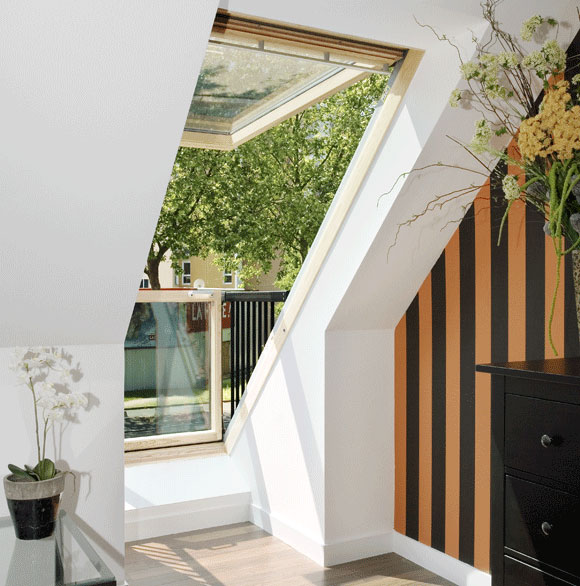This Roof Window Can Transform Into a Small Balcony