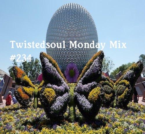 Bak again with a brand new Monday Mixtape.