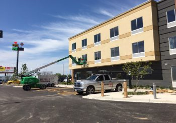 Hotel Marriott Post Construction Windows Cleaning in Van TX 008 b6d62381a73734b8fe0a2e7ee7dcdb5e 350x245 100 crop Hotel Marriott Post Construction Windows Cleaning in Van, TX