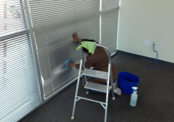 Warehouse Windows Cleaning in Frisco Tx 04 d4eb720e36017dfb4e8821c5d2b2d8ee 350x245 100 crop Warehouse and Office Windows Cleaning in Frisco, TX