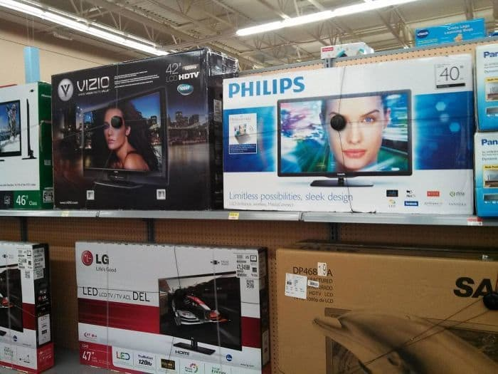 """My Dad Said """"Look, Those TV Models Are Pirates"""""""