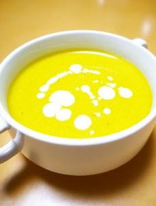 ハロウィンの食卓に♪豆乳パンプキンスープ