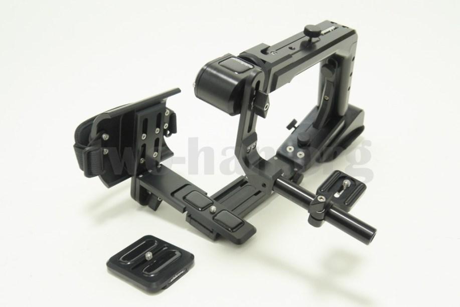 「edelkrone・Modula 3」に「Hand Strap」を組み込み。元のカメラホルダーは使わない
