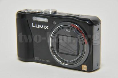 Panasonic LUMIX DMC-TZ30-K・ベーシックなコンデジスタイル