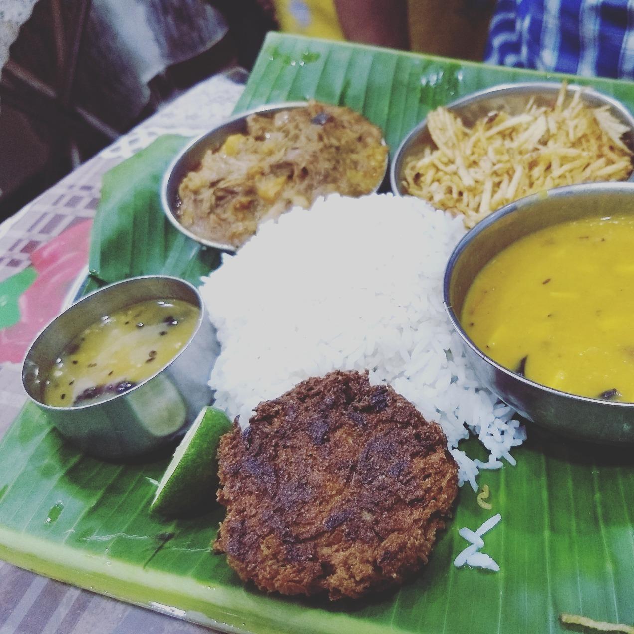 The Siddeshwari Sojourn: Eating at Siddheswari Ashram, Kolkata