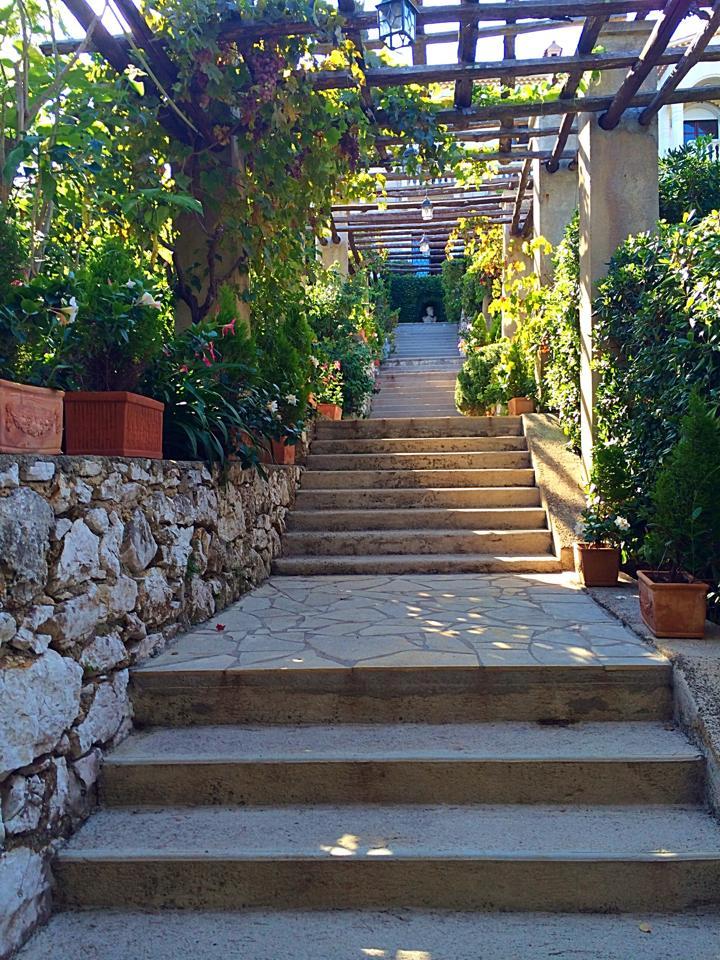 Institut stairway