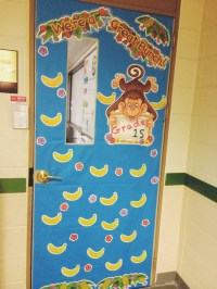door decorating ideas | two apples a day